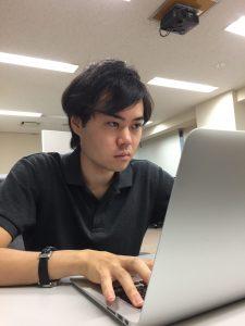 佐々木さんプログラミング中