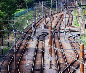 鉄道現場の異常を音声AIで検知